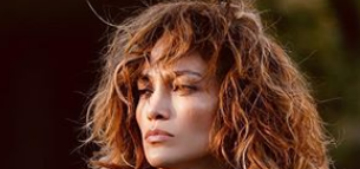 Jennifer Lopez is letting her hair take a break and her nails breathe