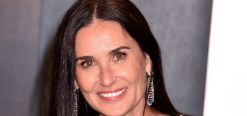 Demi Moore has a couch and rug in her bathroom and people are intrigued
