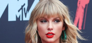 Taylor Swift is 'happy to make a contribution' to 'The Folklore' business owner