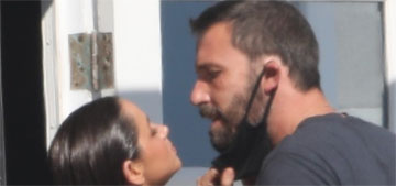 Ben Affleck visited Ana de Armas at a photoshoot, they kissed for the paps