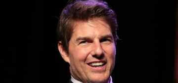 Tom Cruise promotes seeing 'Tenet' in a theater