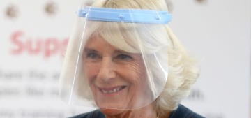 Duchess Camilla wore a dumb face shield to meet coronavirus-sniffing dogs