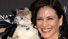 """""""Young and the Restless actress' cat purse"""" morning links"""