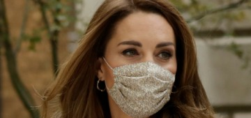 Duchess Kate & William did wear masks for a different open-air meeting, so…??