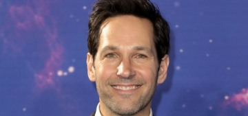 """""""Paul Rudd handed out cookies to voters waiting in line in Brooklyn"""" links"""