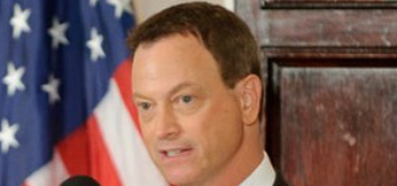 Gary Sinise is helping pay off veterans' mortgages through Veterans United