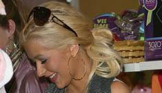 Christina Aguilera throws out baby toys from husband's family (update)