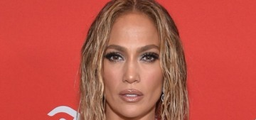 Jennifer Lopez accused of copying Beyonce for her AMAs performance