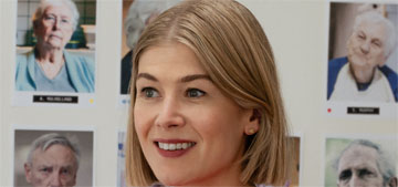 """""""Rosamund Pike's blunt bob with destroy you in 'I Care A Lot'"""" links"""