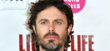 Casey Affleck: that wasn't me throwing out the cardboard cutout of Ana de Armas