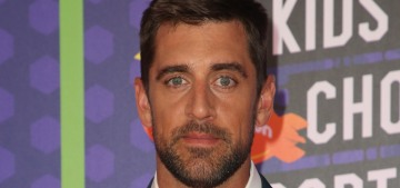 Apparently, Aaron Rodgers & Shailene Woodley have been quietly dating for a bit