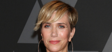Kristen Wiig will go sit on the curb to get away from her toddler twins