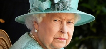 Us Weekly: Queen Elizabeth is 'tearful' & 'desperate to give Archie a huge hug'