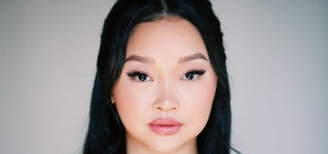 Lana Condor looked gorgeous in Monique Lhuillier at the Golden Globes