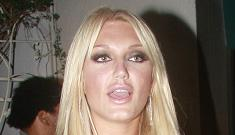 Linda Hogan and her boy toy go out to dinner with Brooke