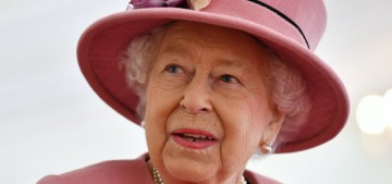 Queen Elizabeth's Sussex statement had an 'underlying jab' at the couple, surprise