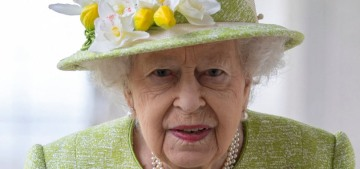 Maskless Queen Elizabeth steps out for her first public event of 2021
