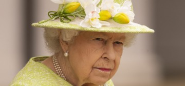 Everyone was maskless at the Queen's event because she got her 'second jab'