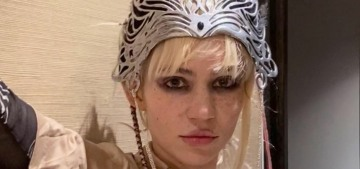 Grimes got a huge 'alien scars' tattoo on her back: kind of cool or very unsettling?