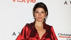 Marisa Tomei Has Sticky Fingers