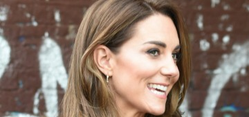 Duchess Kate teams with the Book Fairies to 'hide' copies of 'Hold Still' in London