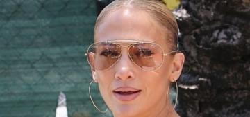 Jennifer Lopez coordinates her gym look while Ben & her mom gamble in Vegas
