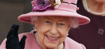 Is Queen Elizabeth using a cane this week to engender some sympathy?