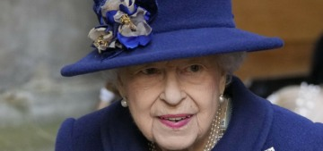 Doctors order boozehound Queen Elizabeth to stop drinking cocktails all day