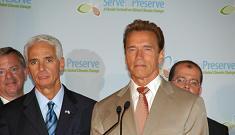 Arnold Schwarzenegger trying to quietly mediate strike