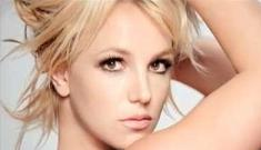 """Britney Spears' new video for '3′ morning links"