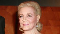 Lauren Bacall receives honorary Oscar