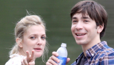 Did Drew Barrymore kick Justin Long out of her house?
