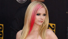 Avril Lavigne ditches own concert after two songs (update: not true)