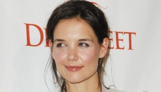 Katie Holmes attends charity event solo, looks really young & happy
