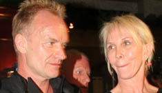 Sting calms elevator full of trapped people with group meditation