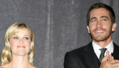 People: Jake Gyllenhaal wants to marry Reese & she refuses