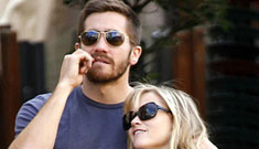 Jake Gyllenhaal buys Reese Witherspoon a 3k necklace, Wiis for her kids