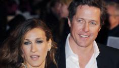 Liz Hurley crashes Sarah Jessica Parker & Hugh Grant's premiere