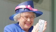Queen Elizabeth Likes To Wii