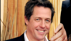 "Hugh Grant got drunk with the Queen, calls her ""charming"""