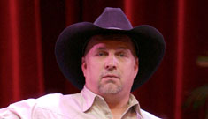 Garth Brooks sues hospital for not using his donation as promised