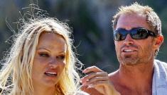 Pamela Anderson & her trailer park boyfriend broke up