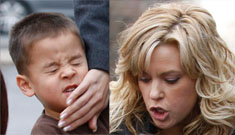 Do these photos show Kate Gosselin smacking one of her kids on the mouth?