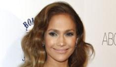 Victoria Beckham thinks she & Jennifer Lopez are the same size