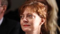 Susan Sarandon rocks an unfrozen face & a plunging caftan