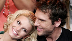 Has Jessica Simpson moved from Billy Corgan back to Dane Cook?