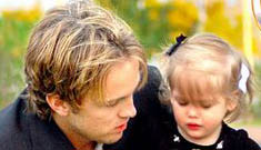 """Baby Dannielynn visits her mother Anna Nicole's grave, whispers """"Momma"""""""