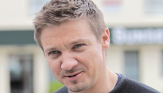 Jeremy Renner is adorable, but his musical side does not drop the panties