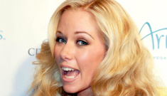 Kendra Wilkinson wants breast reduction because she's breastfeeding