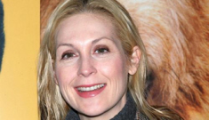 Is Kelly Rutherford cougar-pouncing on cub Chace Crawford?